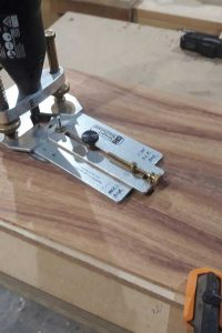 Routing top for rosette
